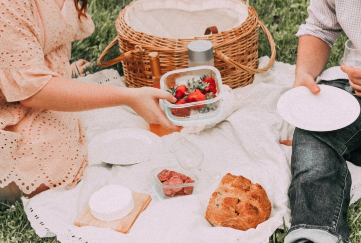 50 Fun Date Ideas That Are Neither Netflix And Chill Nor Dinner And AMovie